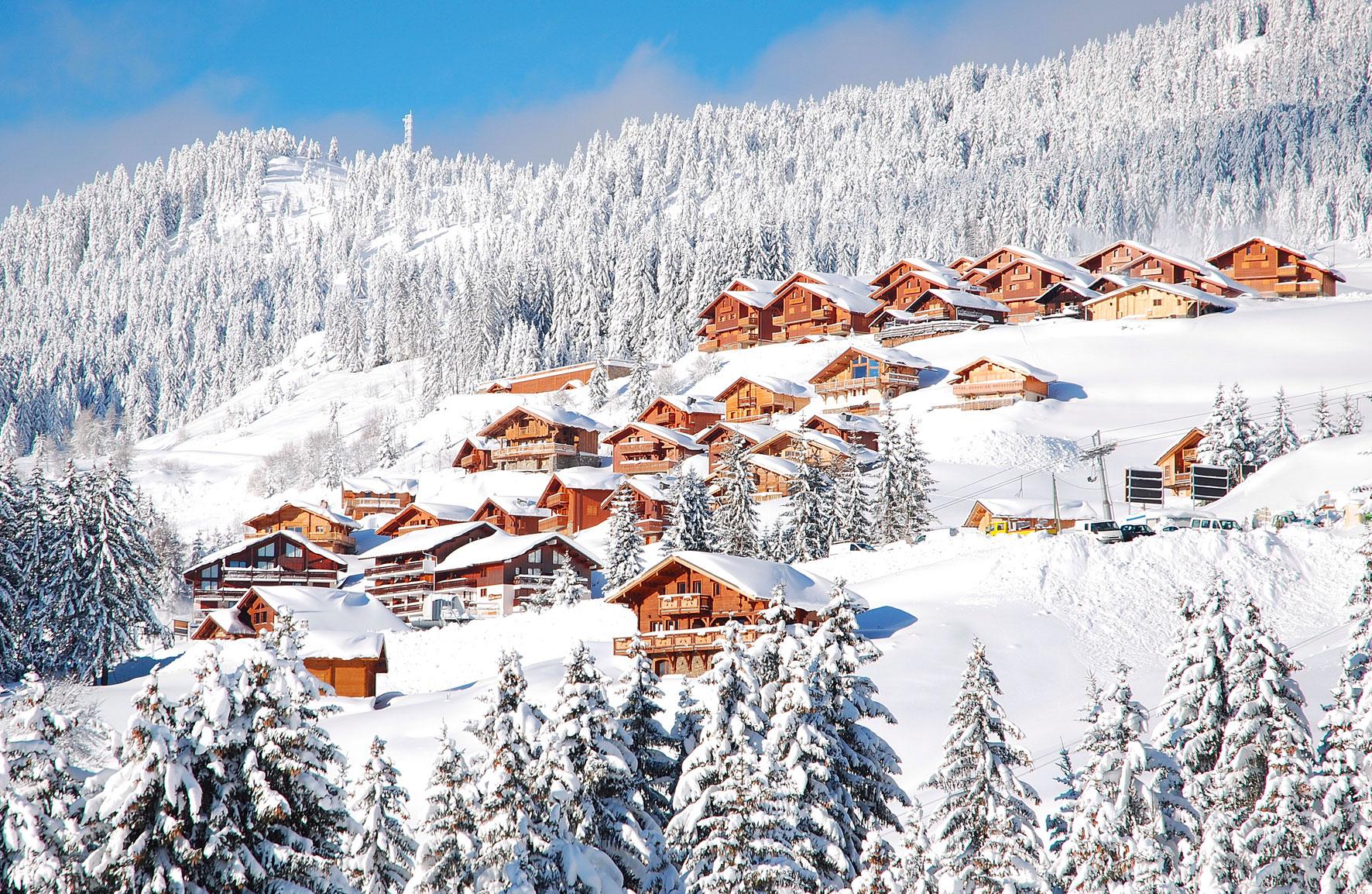 Bisanne 1500 - Vue d'ensemble - Crédits photos http://www.bisanne1500.fr/Appartement en Location à Bisanne 1500 - Villard sur Doron - Savoie - Alpes